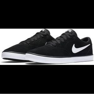 Men's Nike SB Charge Solarsoft Skate Shoes